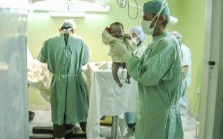 Кесарево сечение: особенности хирургического вмешательства, осложнения во время и после операции