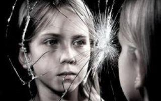 Особенности подросткового возраста у девочек: характер перемен, физические и психологические нюансы, рекомендации для родителей