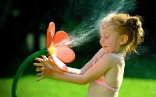 Закаливание детей дошкольного возраста: плюсы и минусы, виды процедур, основные принципы, рекомендации родителям
