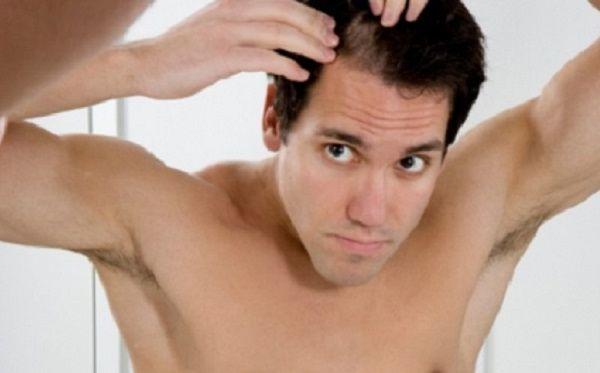 Прыщи на голове в волосах у мужчины: причины и лечение, фото