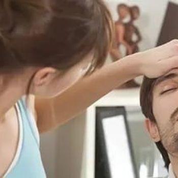 Почему после ангины держится температура 37 и выше и появилась головная боль