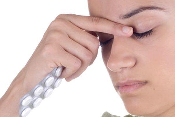 Как вывести человека из запоя: лечение запоя, осложнения и неотложная помощь