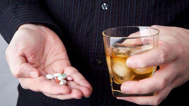 Теофедрин и алкоголь — можно ли употреблять одновременно, последствия, взаимодействие
