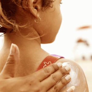 Чем лечить солнечные ожоги в домашних условиях: кремы, мази, народные средства для лечения солнечных ожогов
