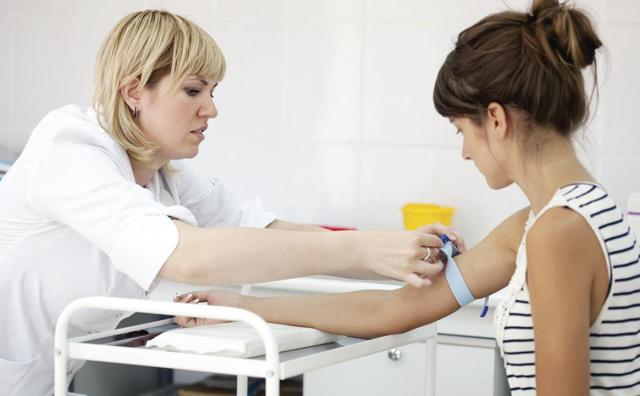 Должны были проявиться симптомы ВИЧ за 3 года?