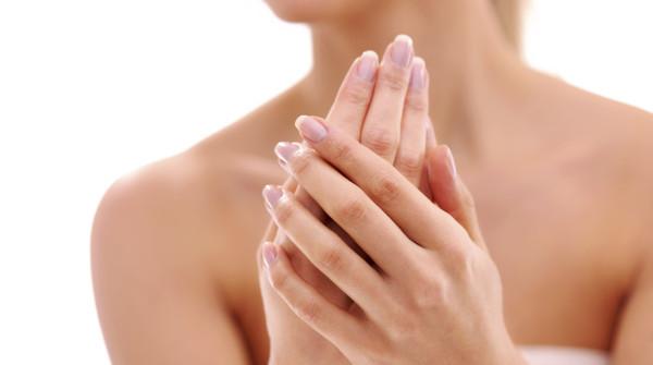 Белые пятна на ногтях: причины, почему появляются белые полосы и пятна на ногтях