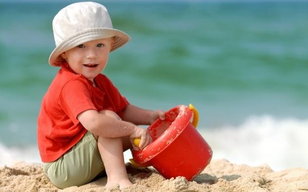 Сколько загорать ребенку, противопоказано ли солнце детям, вред загара для детей