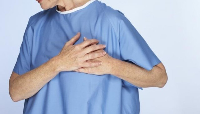 Перихондрит ребер справа и слева: симптомы и лечение