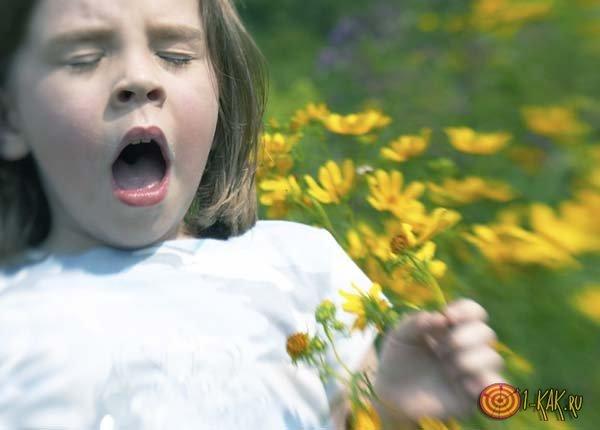 Ребенок чихает и появились сопли, что можно сделать?