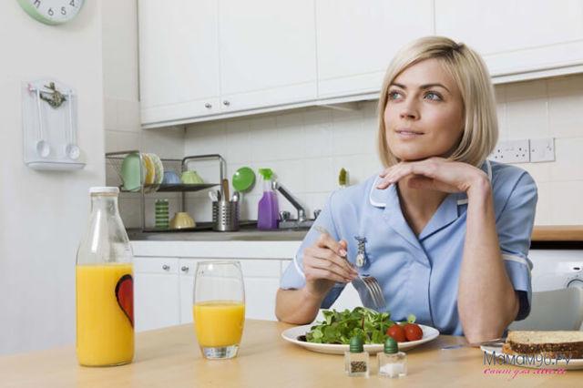 Как убрать живот после родов в домашних условиях: как похудеть после родов