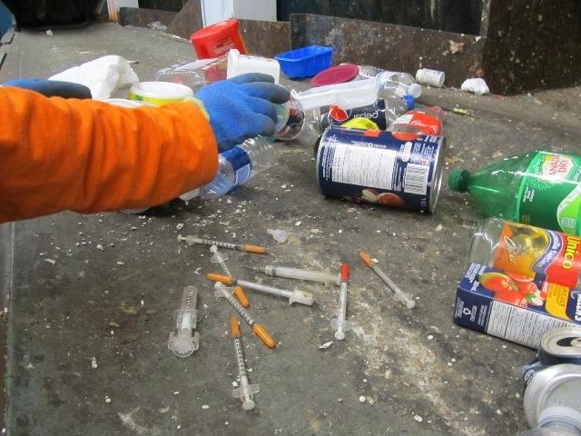 Можно ли заразиться ВИЧ уколовшись шприцом на улице