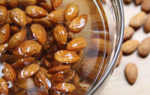 Химический состав орехов, полезные свойства орехов, возможный вред, применение в косметологии и кулинарии