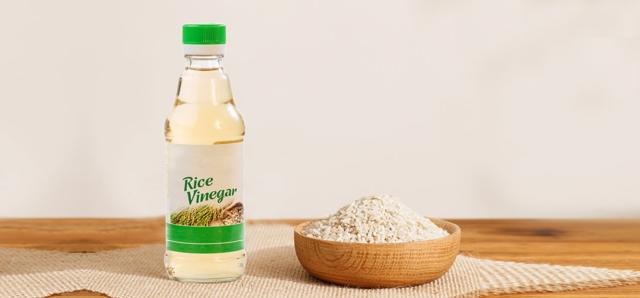 Полезные и вредные свойства рисового уксуса, его разновидности, самый просто рецепт омлет с рисовым уксусом