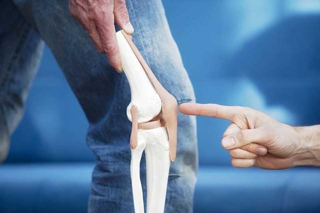 Перелом надколенника без смещения и со смещения: сроки лечения и восстановления