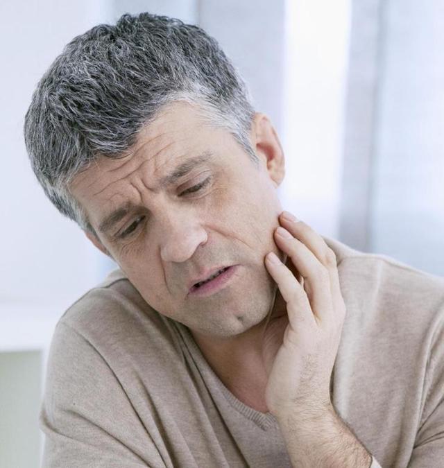 Атрофический гингивит: причины, симптомы, лечение, дифференциальная диагностика