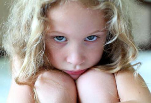 Желтый налет на языке у ребенка: причины, почему язык обложен желтым налетом