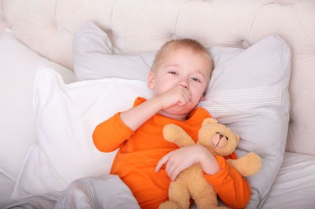 Причины ночного кашля у ребенка и взрослого, диагностика и лечение кашля