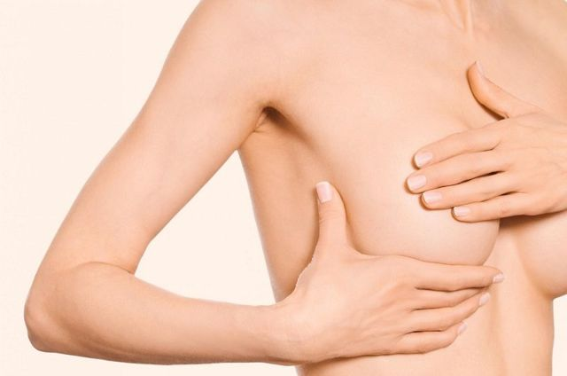 Уплотнение в молочной железе: что это может быть, почему возникают уплотнения в груди и как диагностировать мастопатию