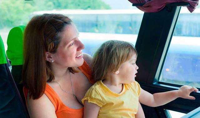 Ребенка укачивает в машине: что делать, если тошнит и рвет в транспорте, и почему это происходит?