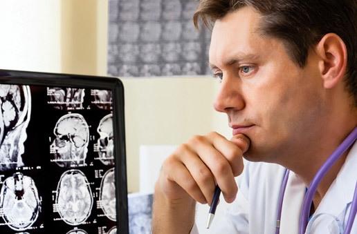Аневризма сосудов головного мозга: симптомы, лечение, операции при аневризме