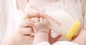 Почему развивается непереносимость молока, и как она проявляется?
