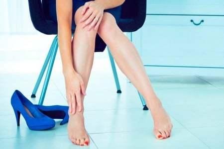 Хроническая венозная недостаточность: степени, симптомы и лечение