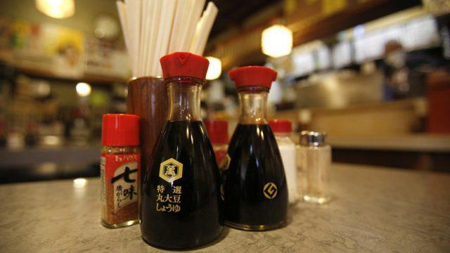 Полезные свойства соевого соуса, его состав и противопоказания к употреблению