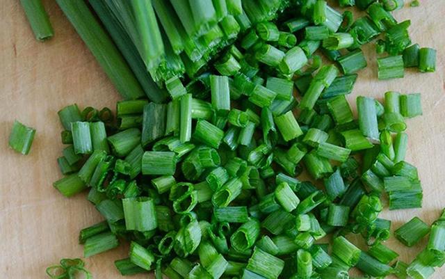 Полезные свойства и вред зеленого лука, противопоказания и правильное употребление