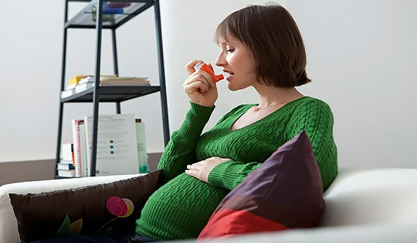 Бронхиальная астма при беременности: влияние на плод и лечение