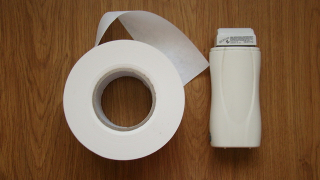 Эпиляция горячим воском в домашних условиях и салоне: преимущества, недостатки, как делать эпиляцию