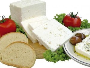 Польза и вред брынзы, химический состав и правила выбора продукта.