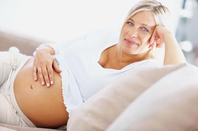 Особенности кори в период гестации, чем опасна инфекция женщине и вынашиваемому плоду, возможные осложнения беременности