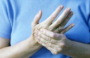 Стресс без причины и немеют руки, что можно сделать?