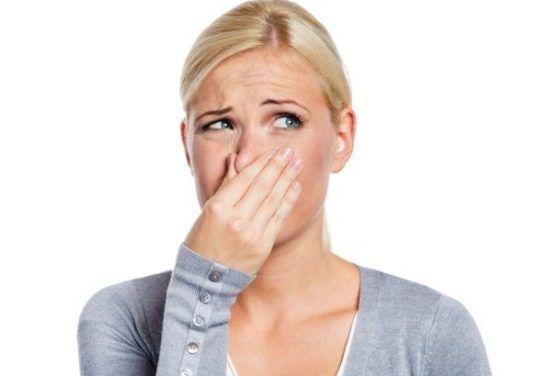 Что делать, если постоянно неприятный запах с заднего прохода?