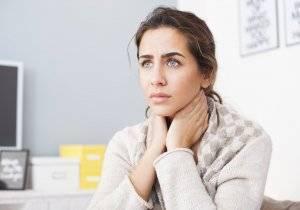 Стафилококк в горле у взрослых и детей: симптомы, фото, лечение, народные средства