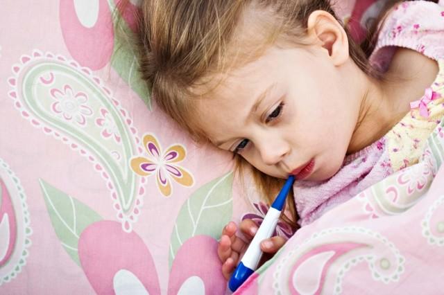 Субфебрильная температура тела у ребенка и взрослого по утрам, вечерам: причины