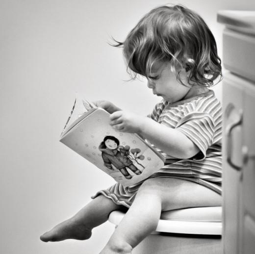 Черный кал у ребенка и тошнота, с чем это связано?