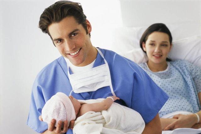 Способы рождения ребенка: роды в воде, вертикальные роды, партнерские роды, домашние роды
