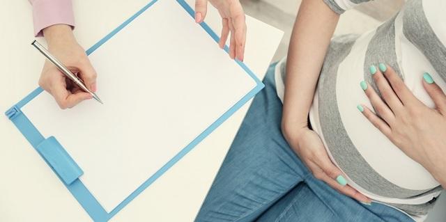 Шевеление ребенка, плода при беременности: когда начинается, на каком сроке