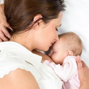 Мастит: симптомы и лечение в домашних условиях, средства от мастита у кормящей матери