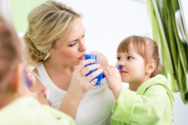 Средства для промывания носа в домашних условиях: чем и как промывать нос ребенку и взрослому
