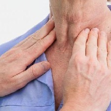 Тиреотоксический криз — симптомы, лечение, неотложная помощь при тиреотоксическом кризе
