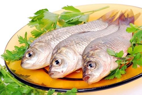 Карась: польза и вред, пищевая ценность, состав, калорийность