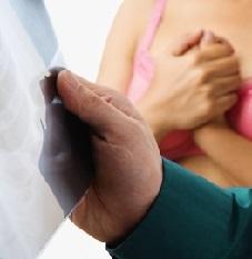 Выделения из молочных желез при надавливании, нажатии: причины, что делать