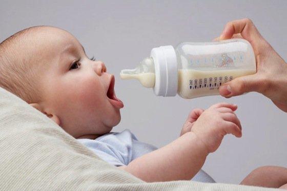 Бутылочный кариес у детей: причины, симптомы и лечение