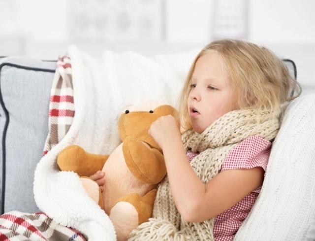 Как лечить фарингит у детей в домашних условиях быстро и эффективно, советы Комаровского
