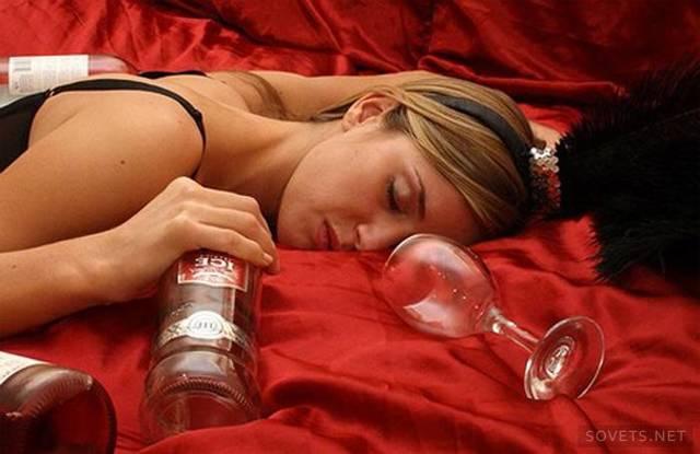Женский алкоголизм: признаки, симптомы, как распознать женский алкоголизм