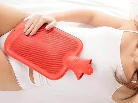 Кровянистые выделения при зачатии: причины, возможные осложнения
