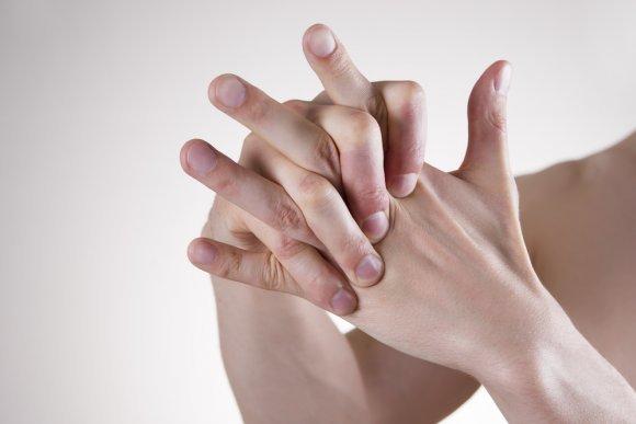 Опасен ли хруст суставов во всем теле и что с этим делать