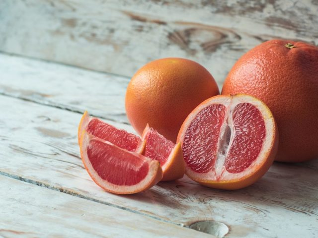 Польза грейпфрутов при ожирении, для беременных, вред грейпфрута при одновременном приеме лекарств